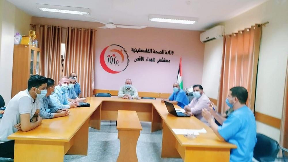اجتماعٍ عقده  رئيس لجنة الطوارئ في المحافظة الوسطى د.كمال خطاب، بأعضاء لجنة الطوارئ المركزية