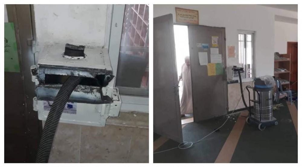 لصّ يسرق تبرعات مسجد مستخدمًا مكنسة كهربائية