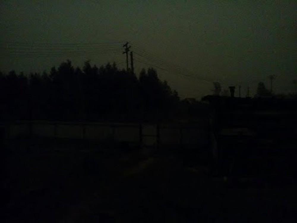 مدينة روسية تستيقظ على ظلام دامس في النهار