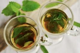القهوة والشاي لإطالة العمر... وبدون أزمات قلبية