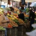 حالة من الركود الإقتصادي تشهدها أسواق قطاع غزة نتيجة عدم صرف الرواتب