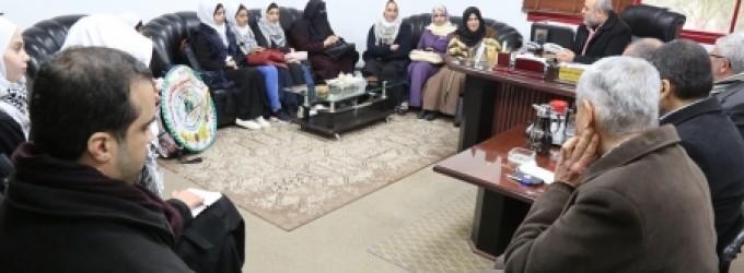 وزارة الأسرى تستقبل وفداً طلابياً من مدرسة ( الشيماء) الثانوية للبنات