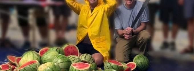 ماليزي يدخل غينيس للأرقام القياسية بسبب مافعله في البطيخ