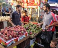 أجواء رمضان في سوق النصيرات وسط غزة - تصوير / عطية درويش