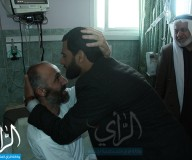 زيارة التشريعي للمحرر أيمن الشراونة في مستشفى الشفاء/ تصوير علاء السراج