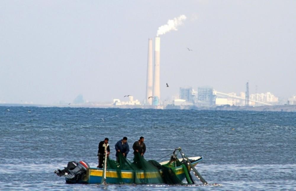 الانتهاكات (الإسرئيلية) بحق الصيادين الفلسطينيين