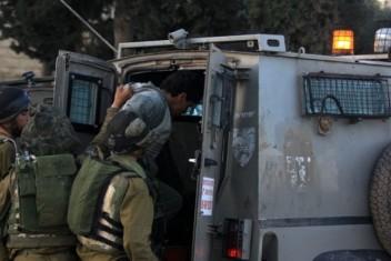 الاحتلال يعتقل شابا على حاجز عسكري جنوب جنين