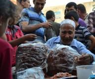 حلويات القرع العسلي تنتشر بغزة