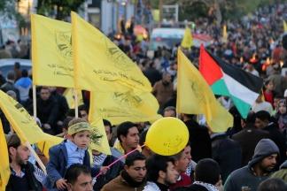 جانب من احتفال أنصار حركة فتح بانطلاقتها 52 بغزة