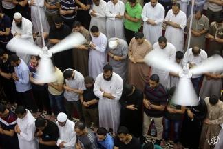 إحياء ليلة القدر في مسجد الشهداء بمخيم النصيرات بغزة تصوير: عطية درويش