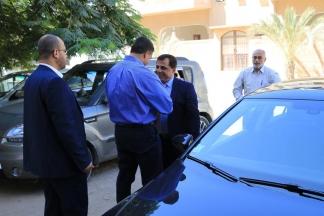 غنام يستلم مهامه بوزارة المالية بغزة ويجتمع بالموظفين